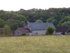 Les Bouis vanaf de heuvel